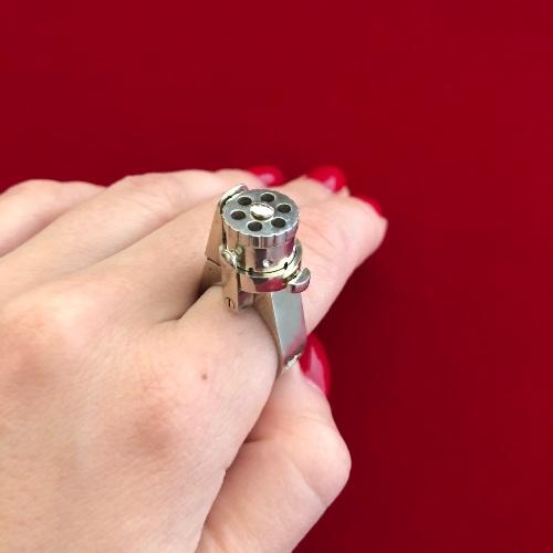 un objet - 26 octobre - ajonc Bravo Martine  Ring-gun-for-sale